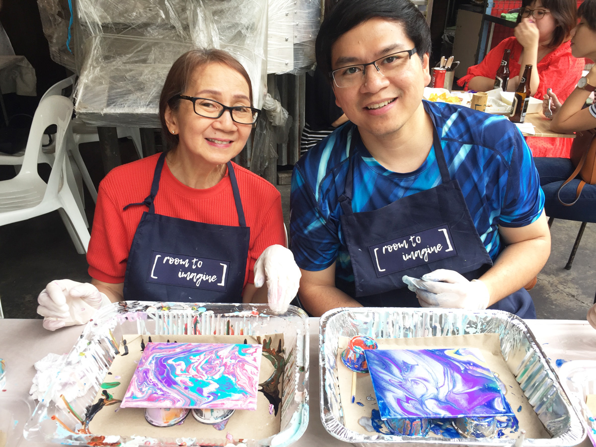 Acrylic Pour Discovery Workshop | Beginner Art Class | Room To Imagine